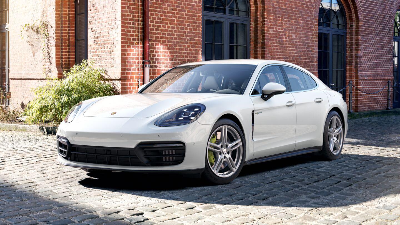 Porsche - Panamera 4S E-Hybrid - Edasiliikumine, see on meie olemus.